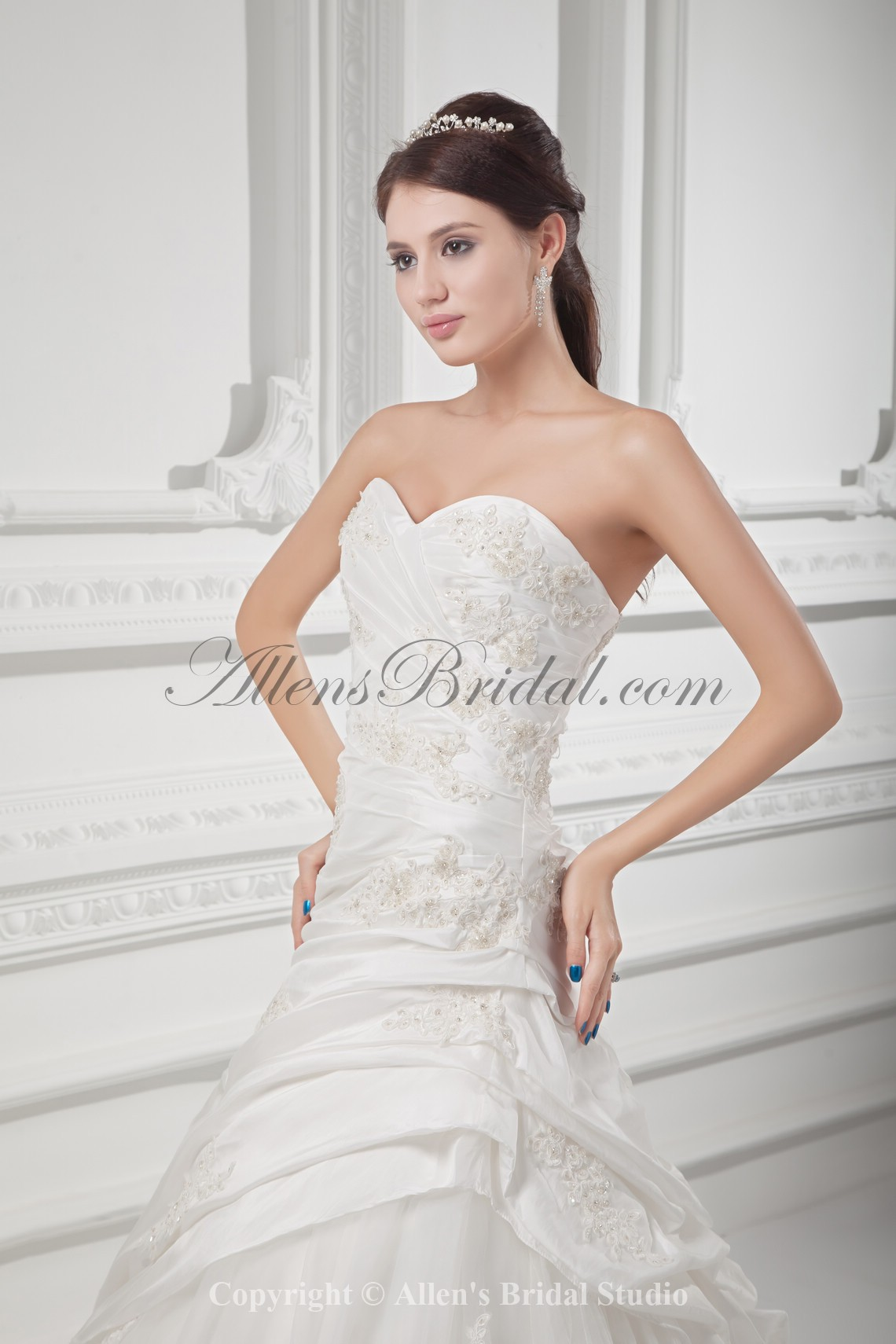 /1021-8185/taffeta-sweetheart-neckline-ball-gown-floor-length-embroidered-wedding-dress.jpg