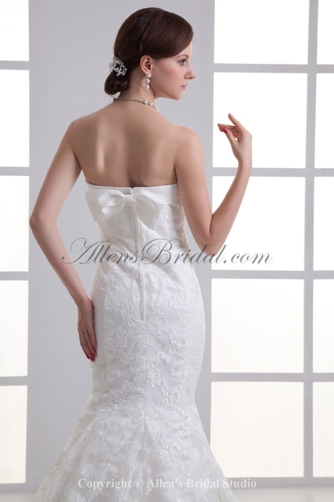 /1071-8592/satin-and-lace-strapless-mermaid-sweep-train-wedding-dress.jpg
