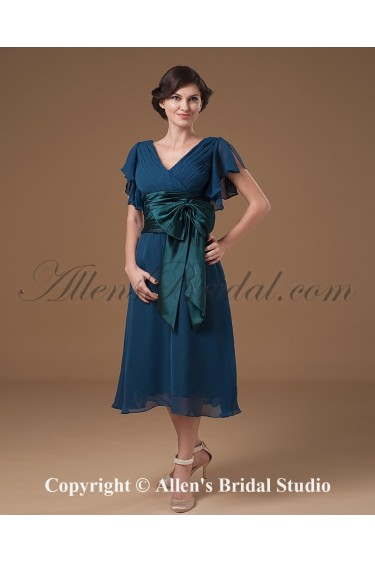 Chiffon V-Neck Knee-Length Column Mother Of The Bride Dress with Ruffle