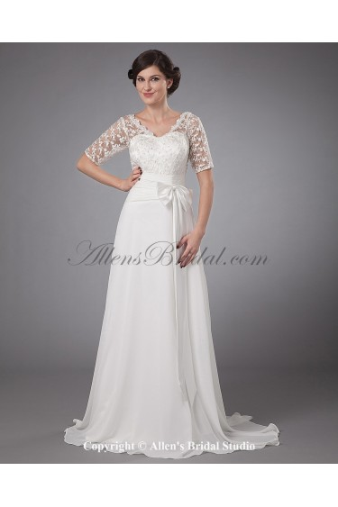 Chiffon and Lace V-Neck Sweep Train A-line Mother Of The Bride Dress with Short Sleeves