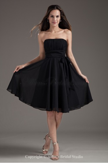 Chiffon Strapless A-Line Black Knee Length Sash Cocktail Dress