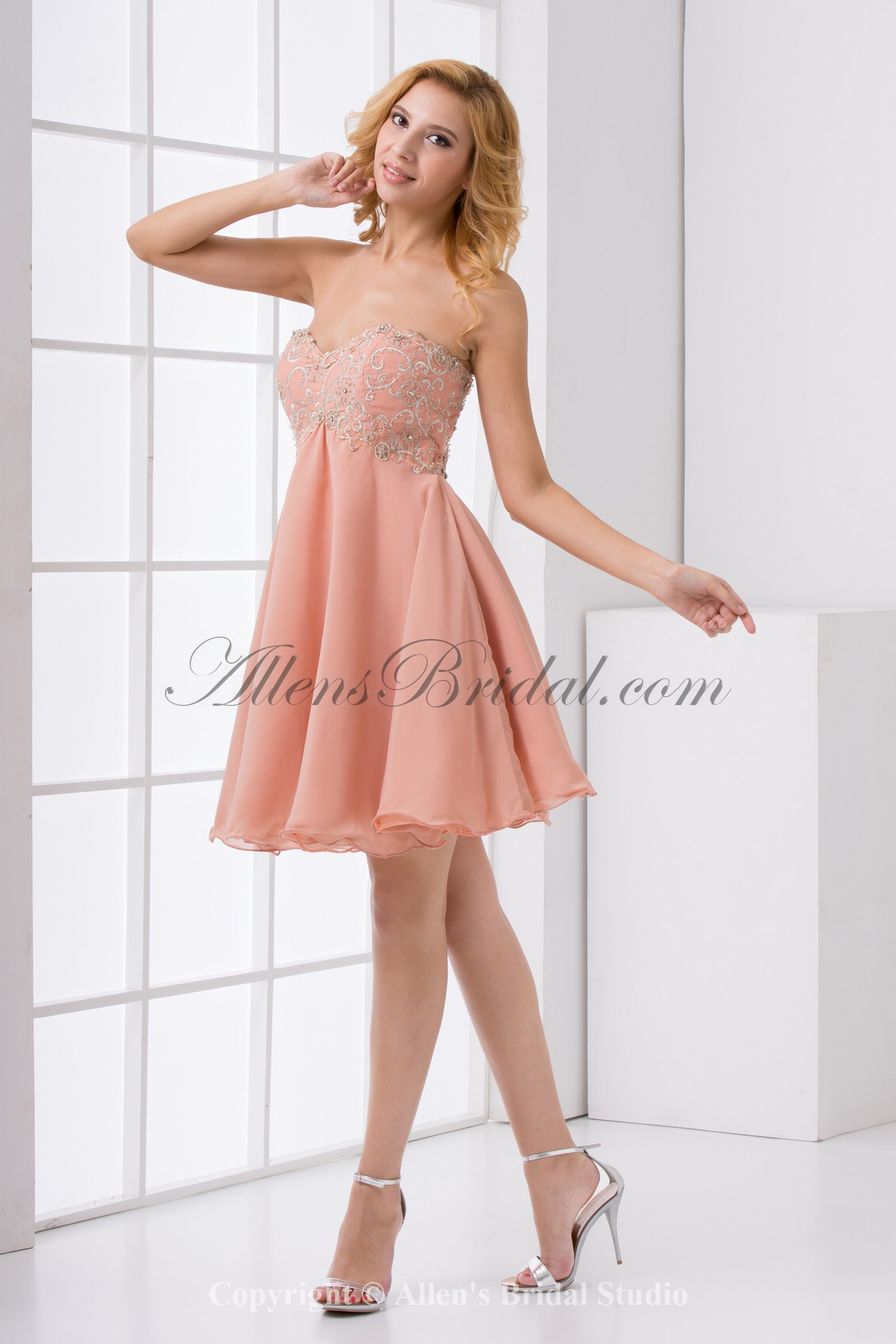 /183-1458/chiffon-sweetheart-neckline-column-knee-lnegth-embroidered-cocktail-dress.jpg