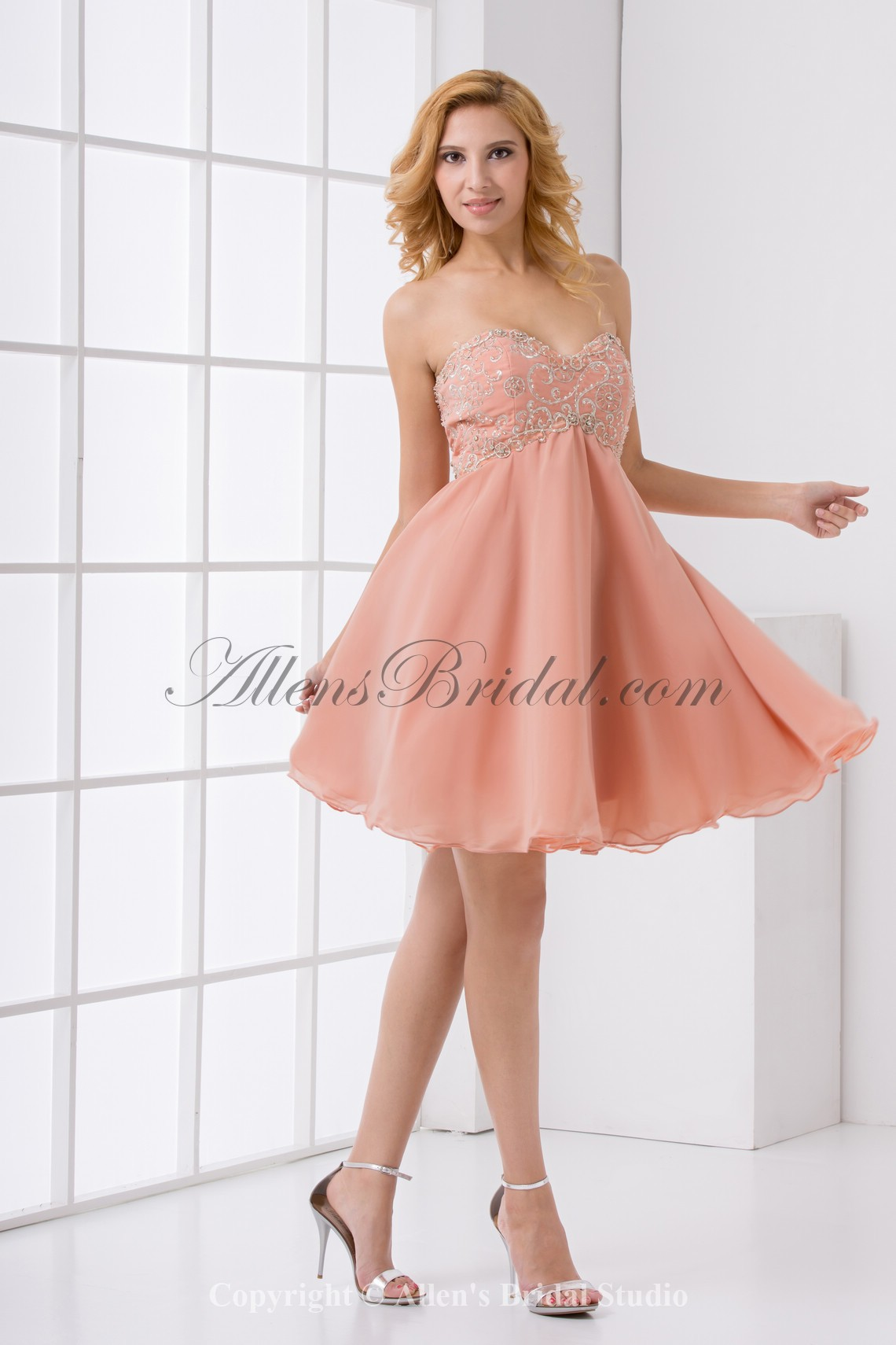 /183-1459/chiffon-sweetheart-neckline-column-knee-lnegth-embroidered-cocktail-dress.jpg