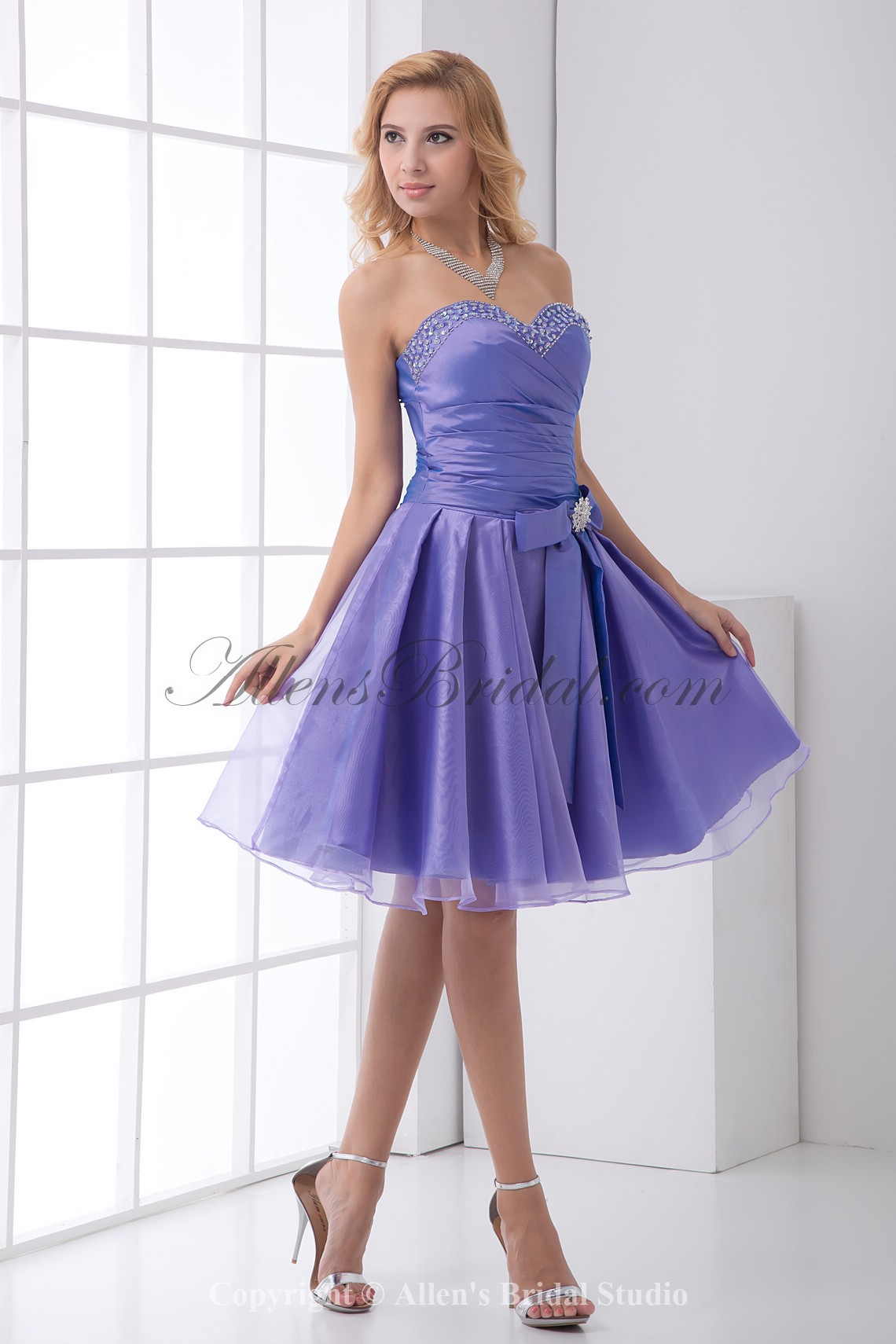 /193-1539/organza-sweetheart-a-line-knee-lnegth-bow-and-sequins-cocktail-dress.jpg