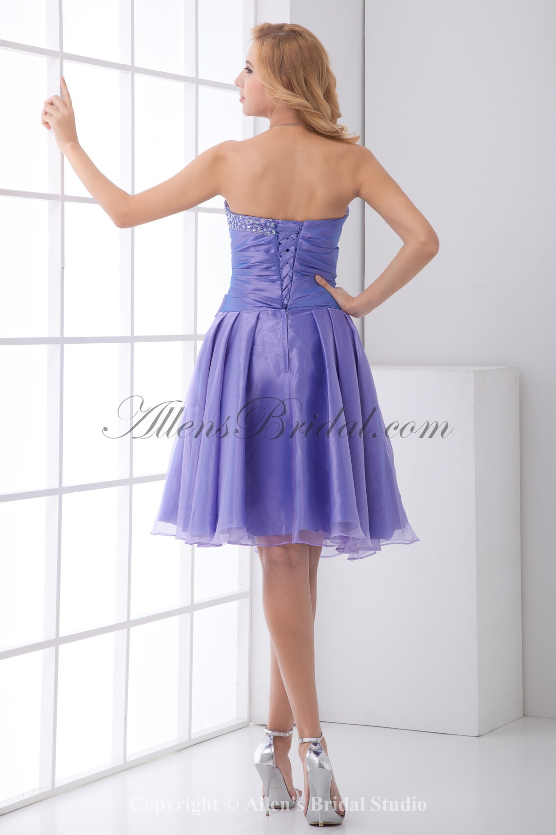 /193-1540/organza-sweetheart-a-line-knee-lnegth-bow-and-sequins-cocktail-dress.jpg