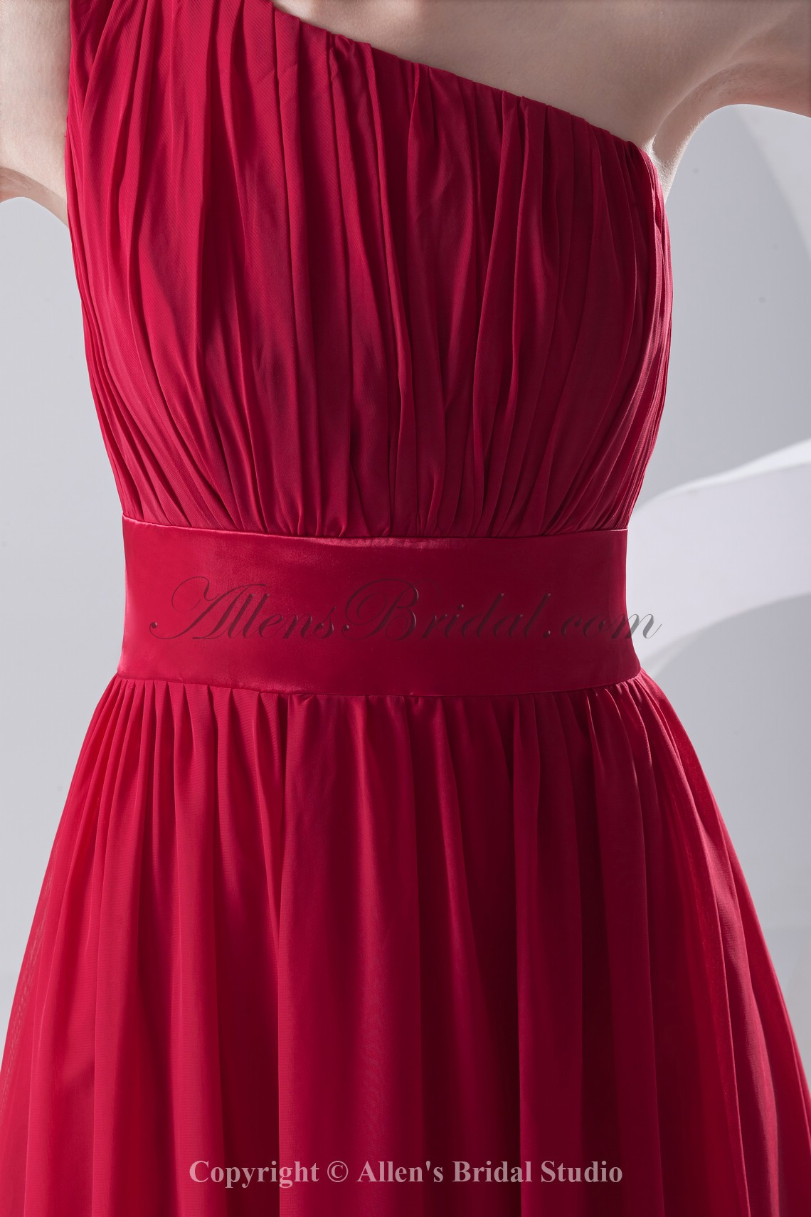 /204-1628/chiffon-one-shoulder-neckline-column-floor-length-sash-prom-dress.jpg