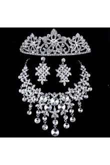 Beauitful Wedding Bridal Jewelry Set,Including Earrings,Tiara and Necklace with Rhinestones
