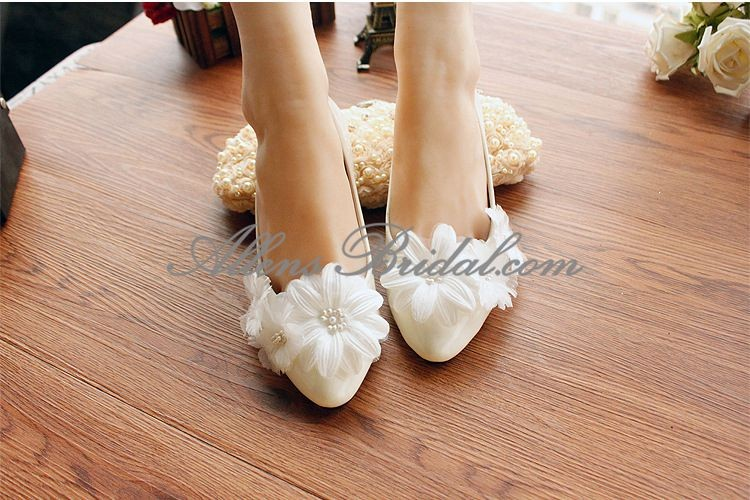 /2271-15830/handmade-lace-flowers-wedding-shoes.jpg