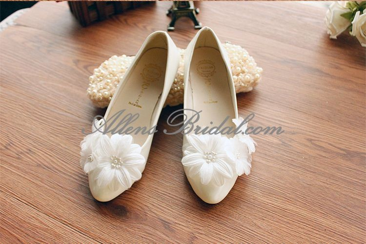 /2271-15831/handmade-lace-flowers-wedding-shoes.jpg