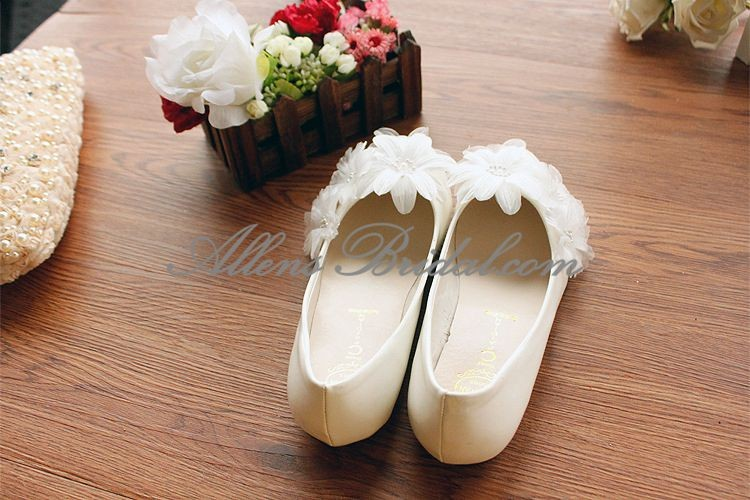 /2271-15832/handmade-lace-flowers-wedding-shoes.jpg