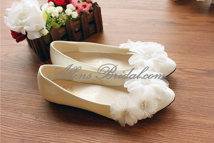 /2271-15833/handmade-lace-flowers-wedding-shoes.jpg