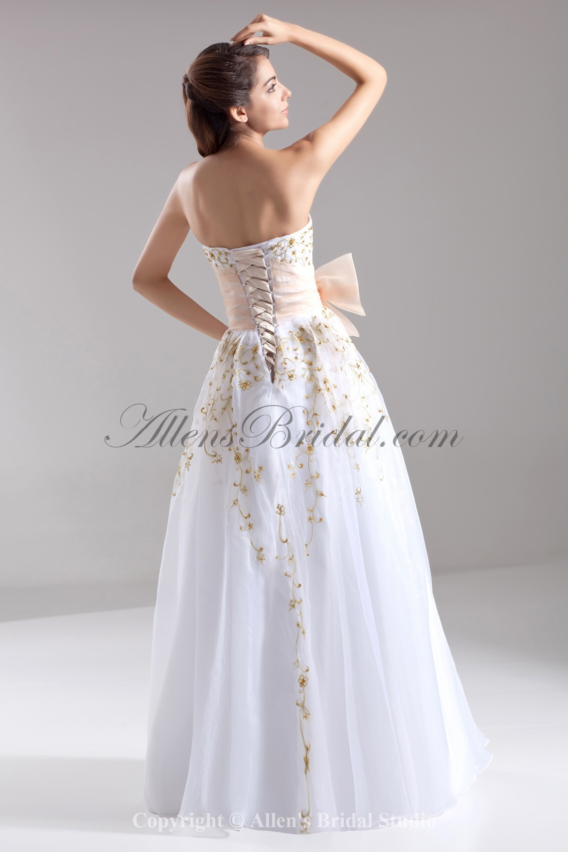 /668-5352/organza-sweetheart-neckline-floor-length-a-line-embroidered-prom-dress.jpg