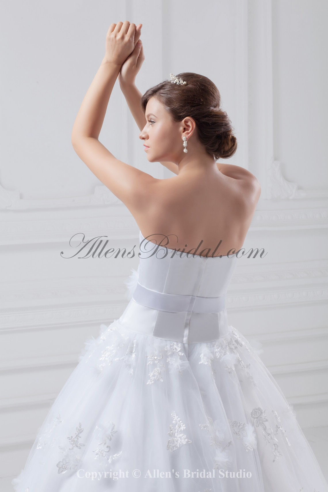 /856-6864/organza-and-satin-strapless-neckline-floor-length-ball-gown-wedding-dress.jpg