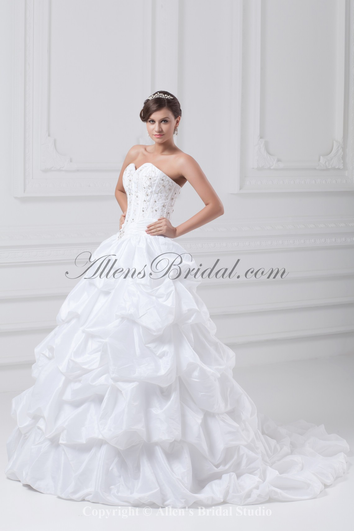 /885-7094/taffeta-sweetheart-neckline-sweep-train-ball-gown-embroidered-wedding-dress.jpg