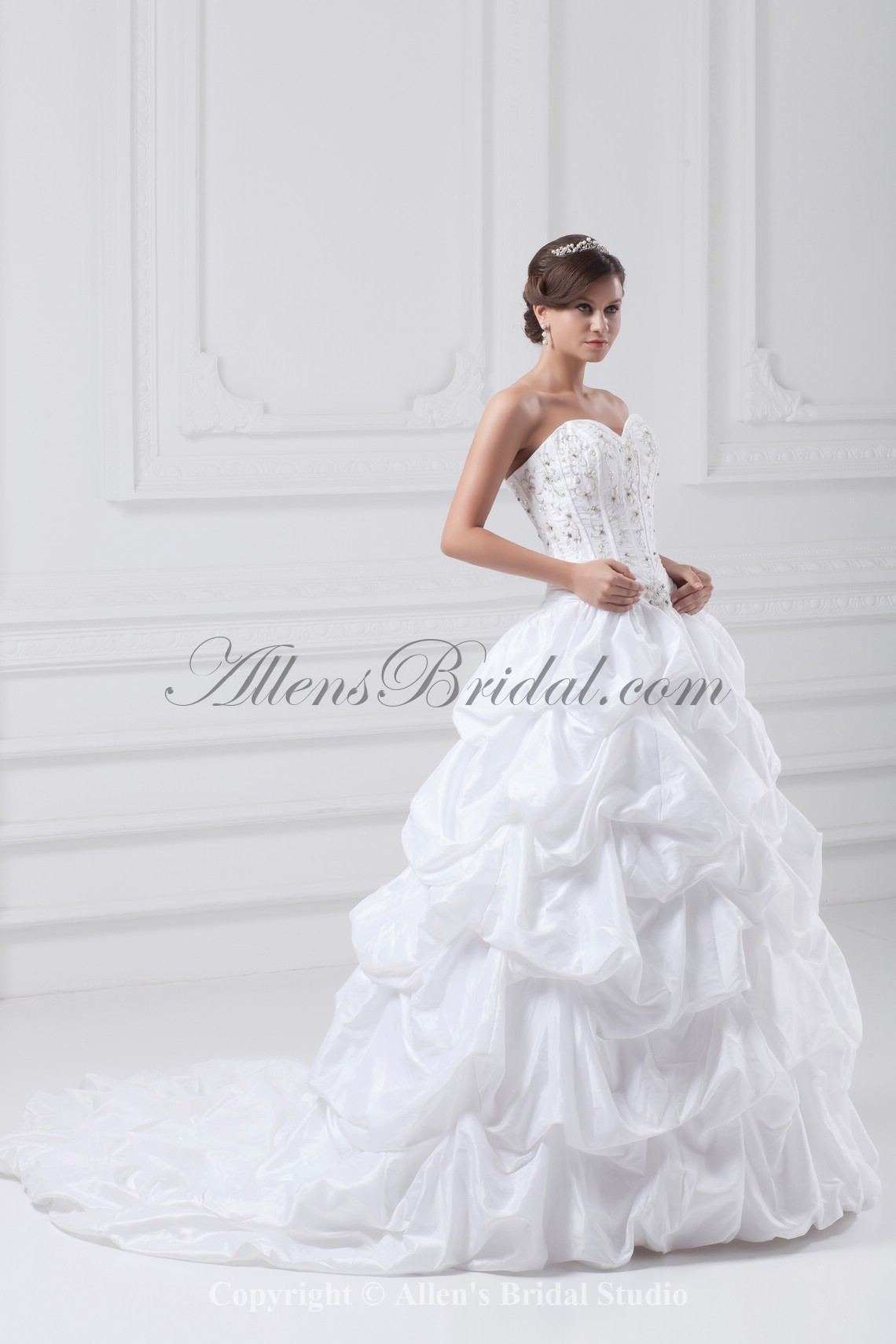 /885-7095/taffeta-sweetheart-neckline-sweep-train-ball-gown-embroidered-wedding-dress.jpg