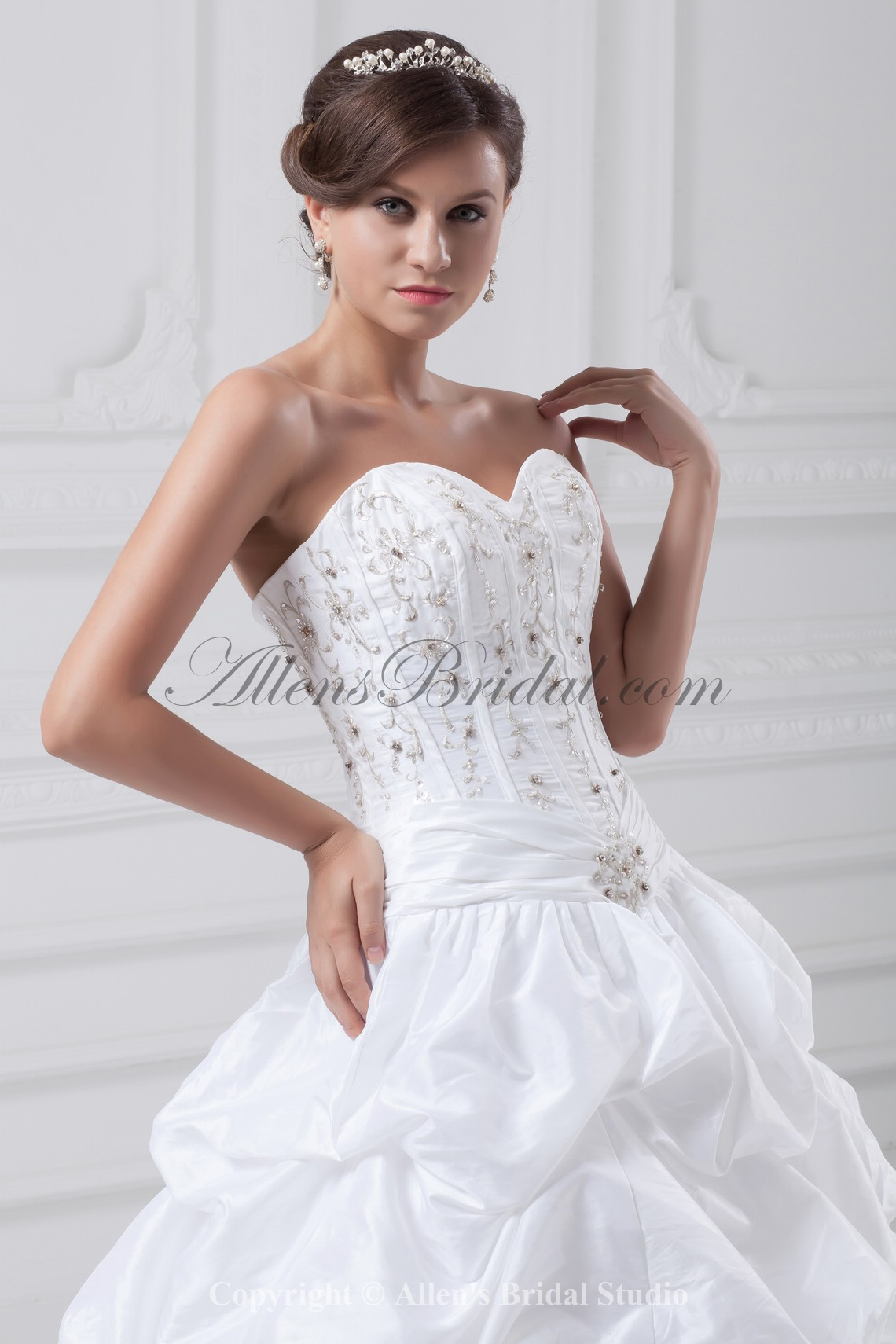 /885-7096/taffeta-sweetheart-neckline-sweep-train-ball-gown-embroidered-wedding-dress.jpg