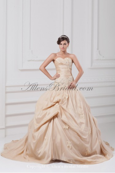 Taffeta Sweetheart Neckline Chapel Train Ball Gown Embroidered Wedding Dress