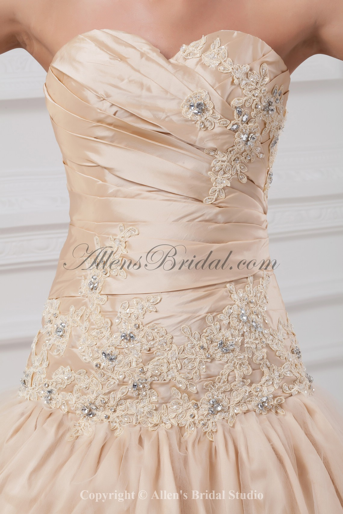 /891-7141/taffeta-sweetheart-neckline-chapel-train-ball-gown-embroidered-wedding-dress.jpg