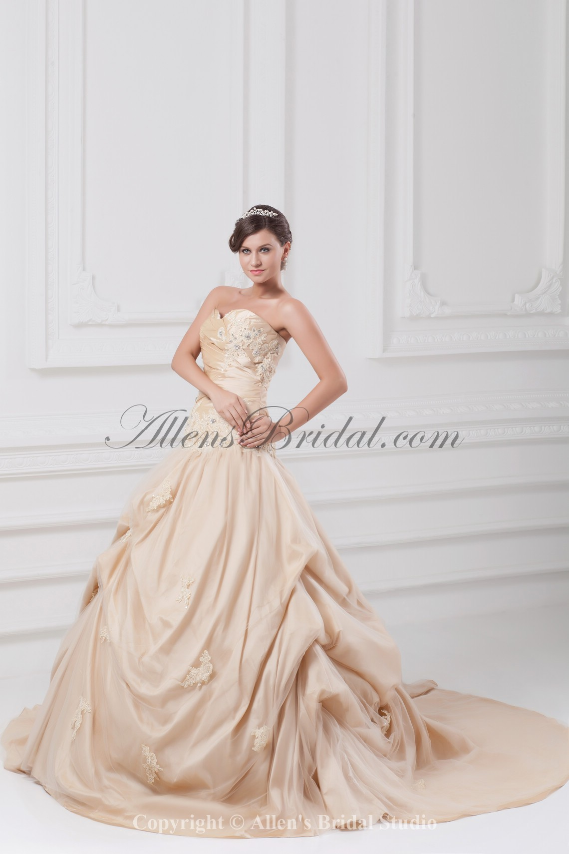 /891-7143/taffeta-sweetheart-neckline-chapel-train-ball-gown-embroidered-wedding-dress.jpg