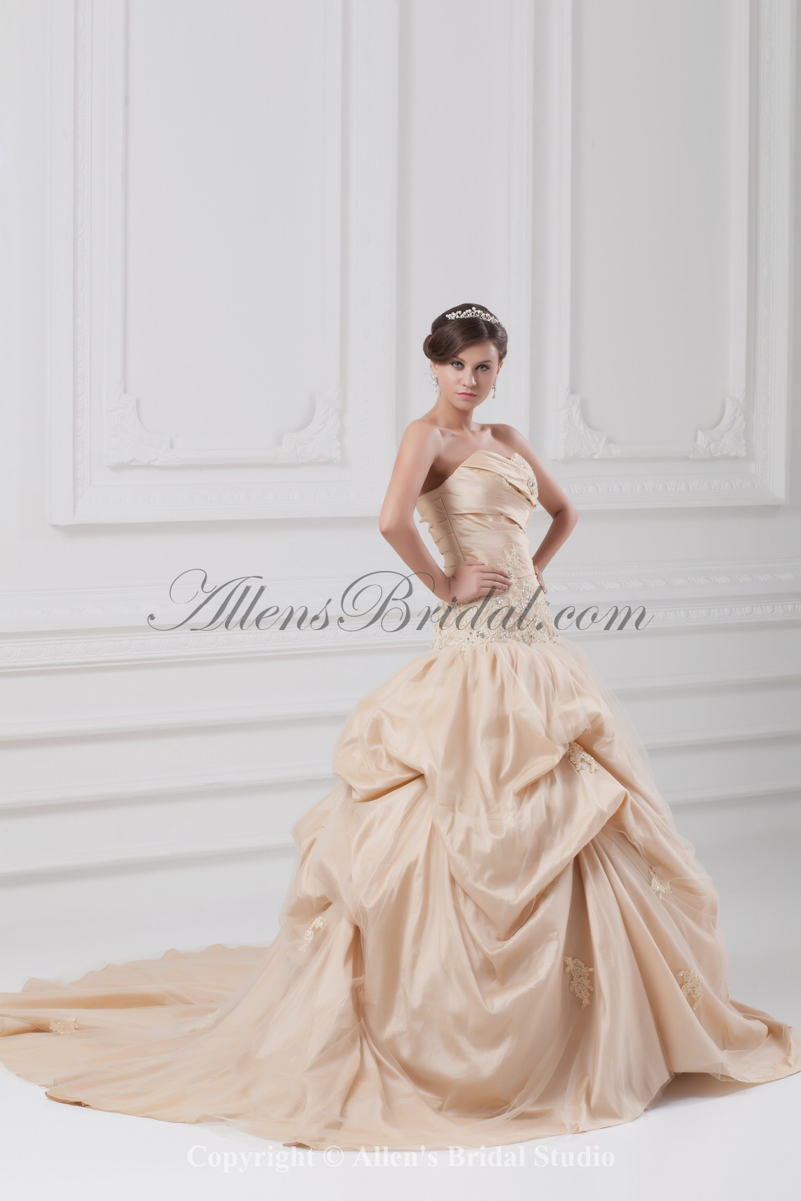 /891-7144/taffeta-sweetheart-neckline-chapel-train-ball-gown-embroidered-wedding-dress.jpg