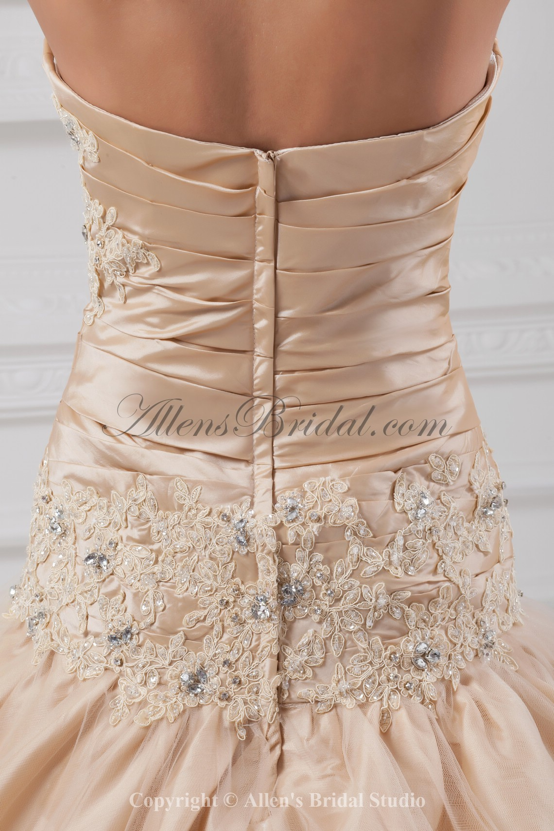 /891-7146/taffeta-sweetheart-neckline-chapel-train-ball-gown-embroidered-wedding-dress.jpg