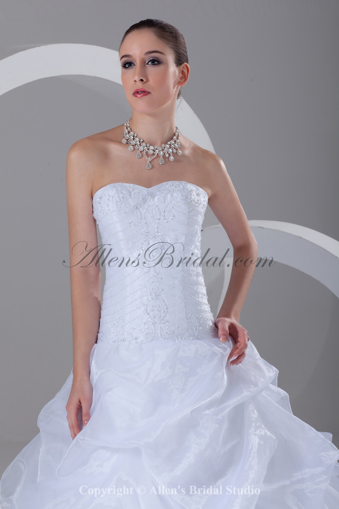 /899-7204/organza-sweetheart-neckline-sweep-train-ball-gown-embroidered-wedding-dress.jpg