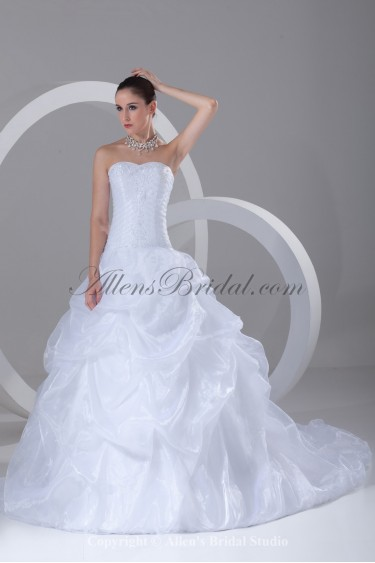 Organza Sweetheart Neckline Sweep Train Ball Gown Embroidered Wedding Dress