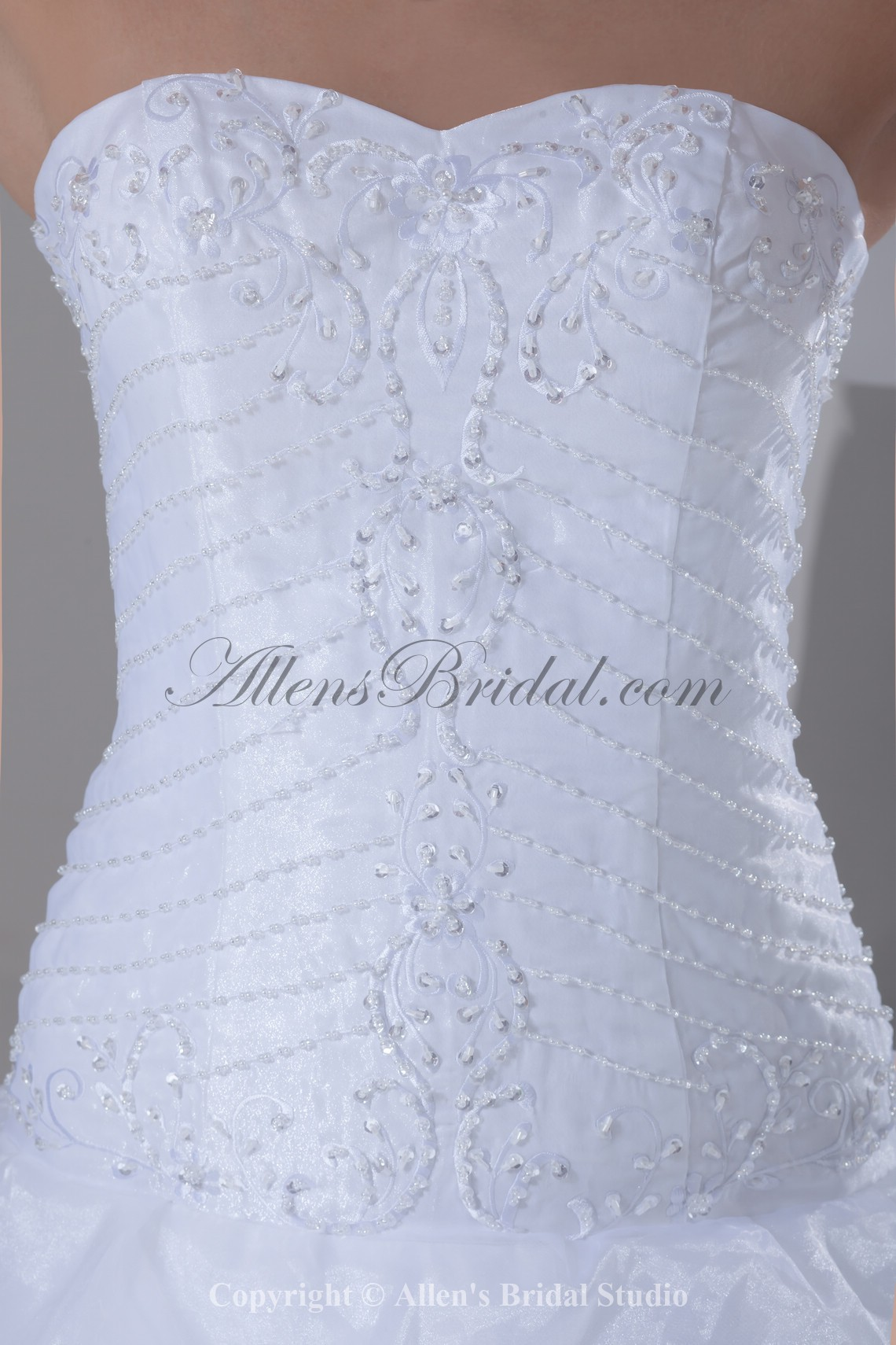 /899-7206/organza-sweetheart-neckline-sweep-train-ball-gown-embroidered-wedding-dress.jpg