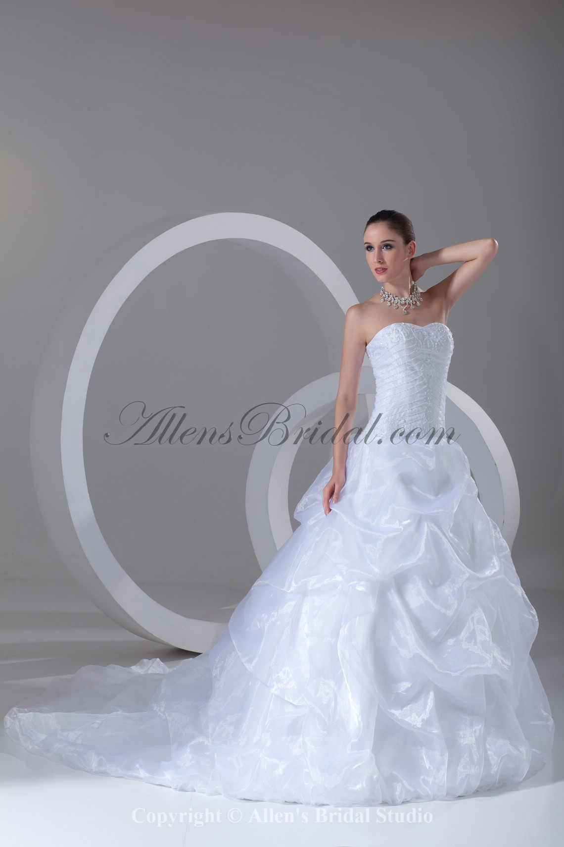 /899-7207/organza-sweetheart-neckline-sweep-train-ball-gown-embroidered-wedding-dress.jpg