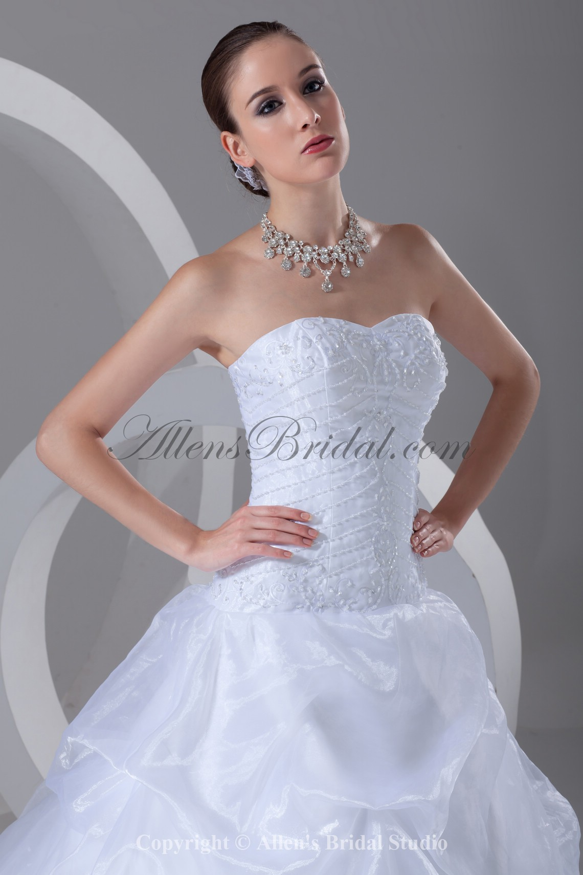 /899-7208/organza-sweetheart-neckline-sweep-train-ball-gown-embroidered-wedding-dress.jpg