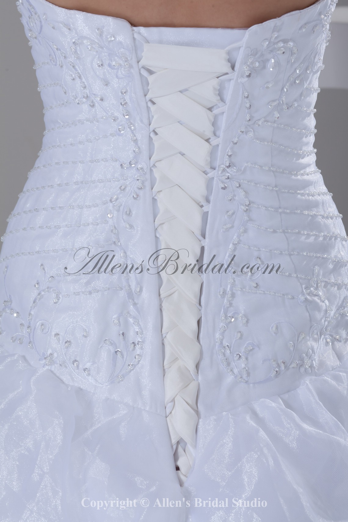 /899-7209/organza-sweetheart-neckline-sweep-train-ball-gown-embroidered-wedding-dress.jpg