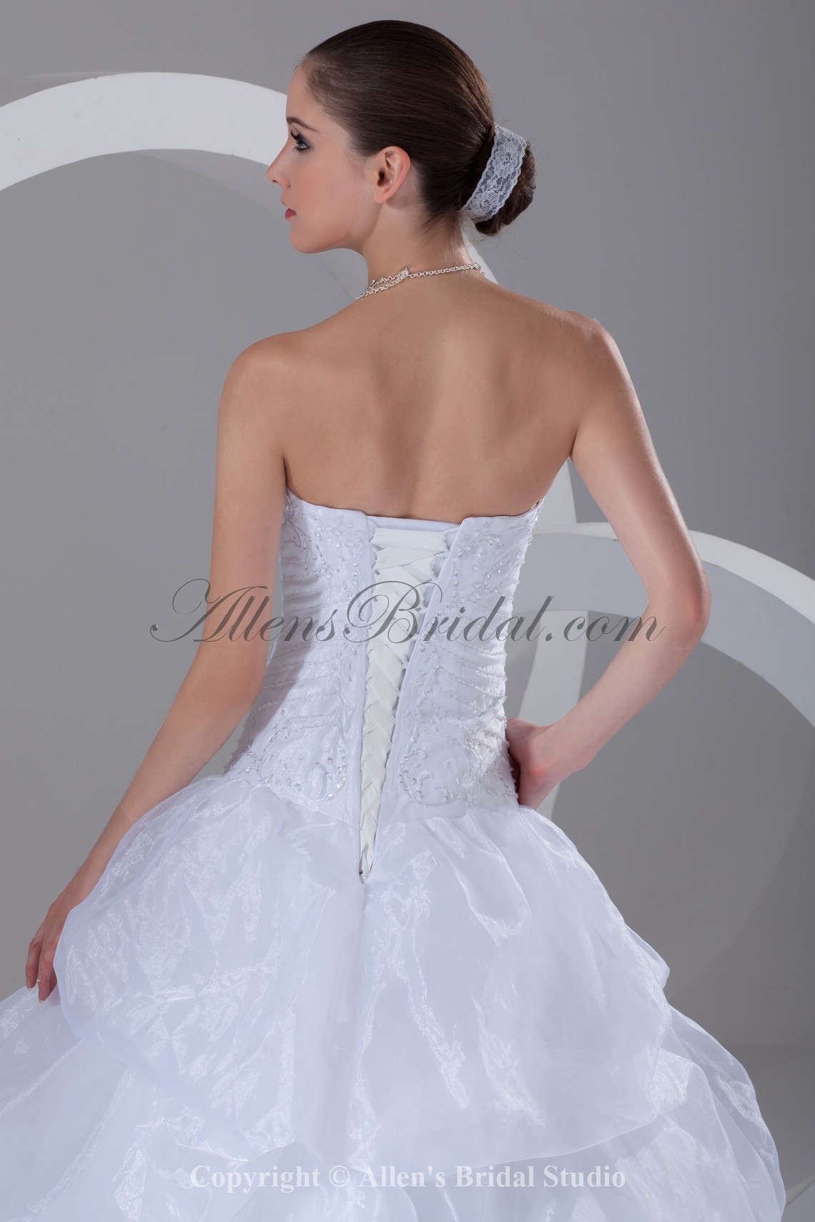 /899-7210/organza-sweetheart-neckline-sweep-train-ball-gown-embroidered-wedding-dress.jpg