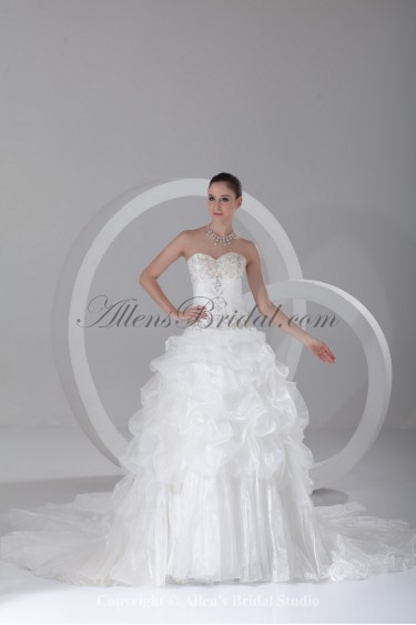 Organza Sweetheart Neckline Chapel Train Ball Gown Embroidered Wedding Dress