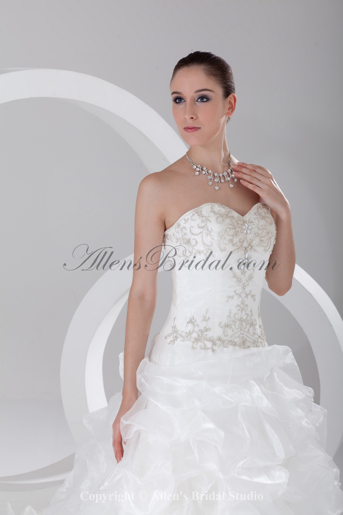 /910-7296/organza-sweetheart-neckline-chapel-train-ball-gown-embroidered-wedding-dress.jpg