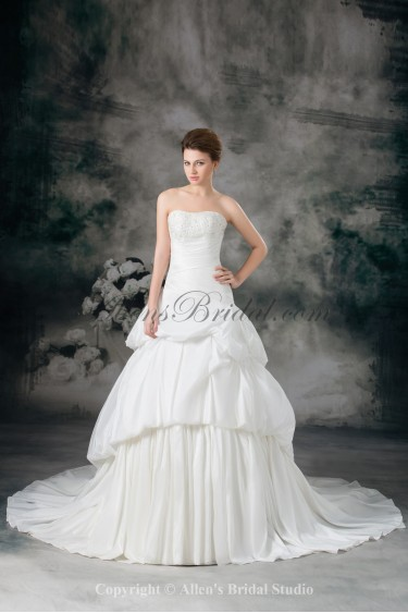 Taffeta Sweetheart Chapel Train Ball Gown Embroidered Wedding Dress