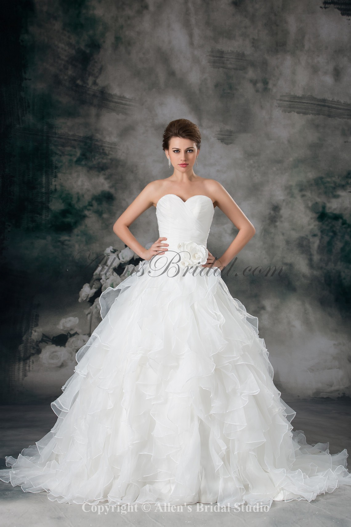 /942-7548/organza-sweetheart-neckline-sweep-train-ball-gown-flower-wedding-dress.jpg