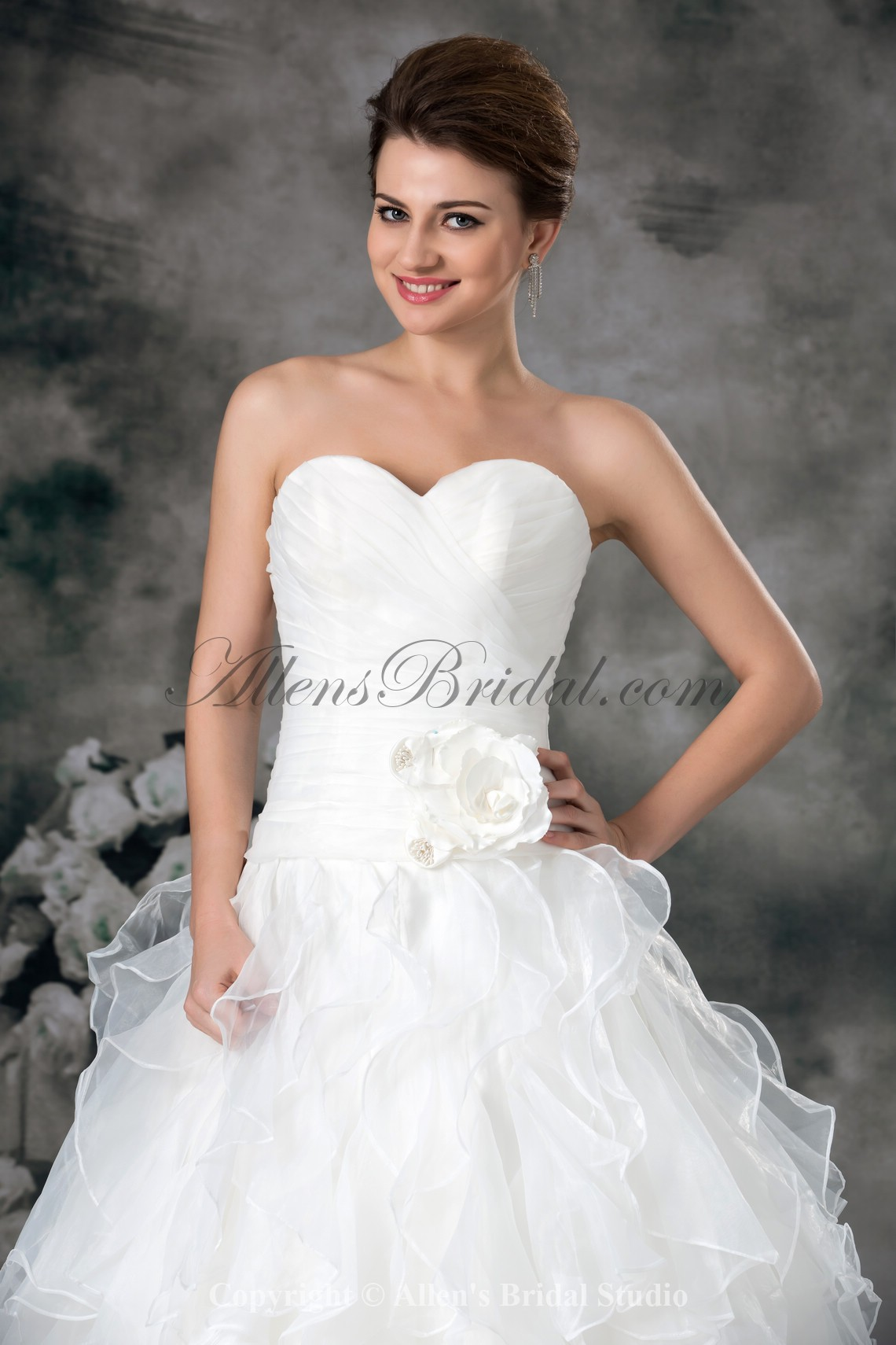 /942-7549/organza-sweetheart-neckline-sweep-train-ball-gown-flower-wedding-dress.jpg
