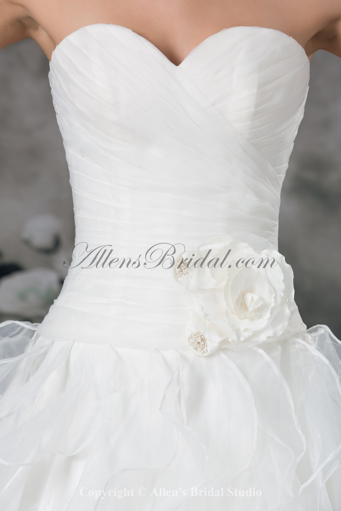 /942-7550/organza-sweetheart-neckline-sweep-train-ball-gown-flower-wedding-dress.jpg