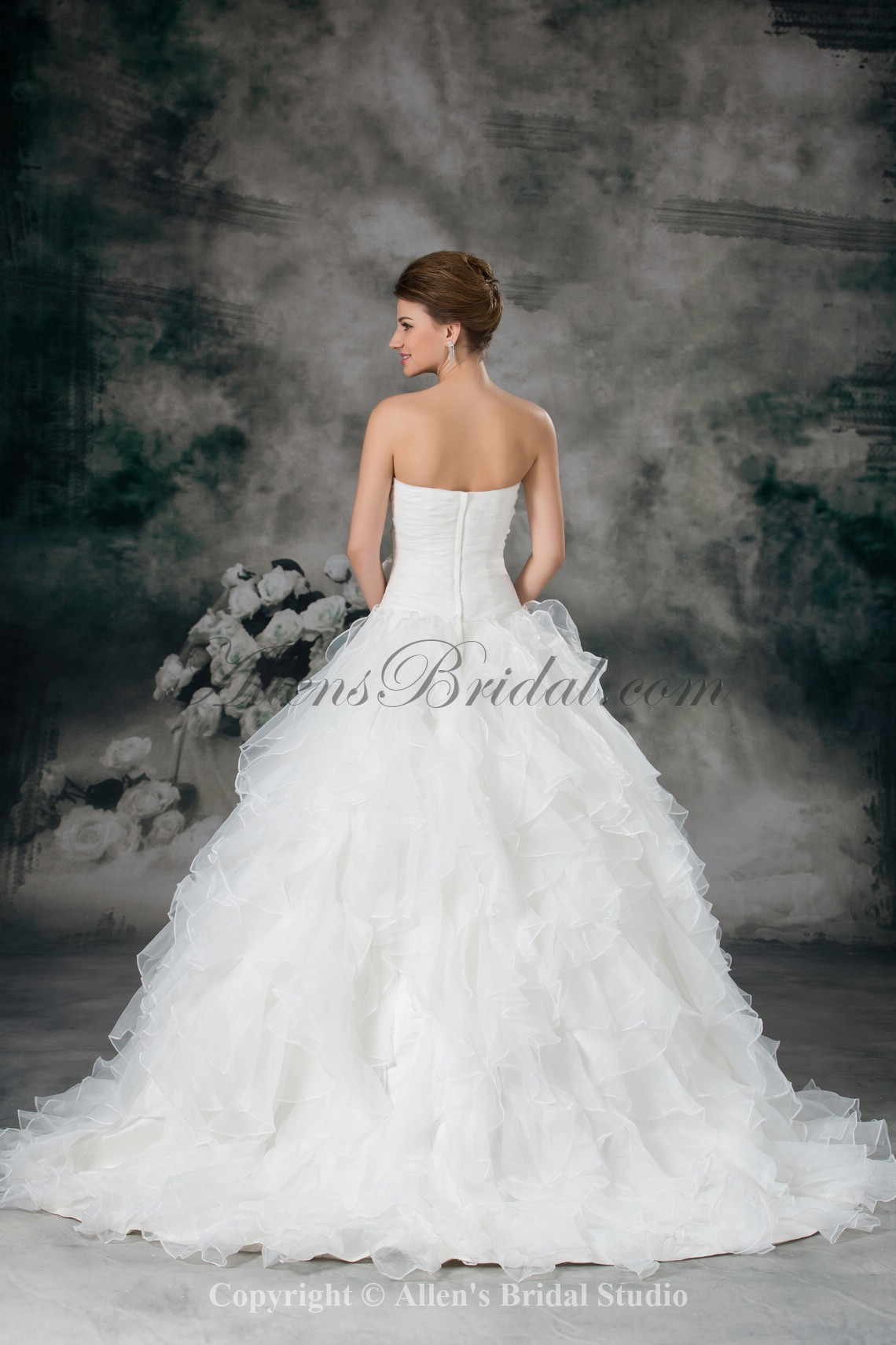 /942-7553/organza-sweetheart-neckline-sweep-train-ball-gown-flower-wedding-dress.jpg