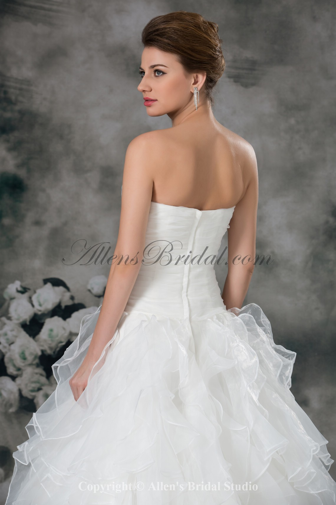 /942-7554/organza-sweetheart-neckline-sweep-train-ball-gown-flower-wedding-dress.jpg