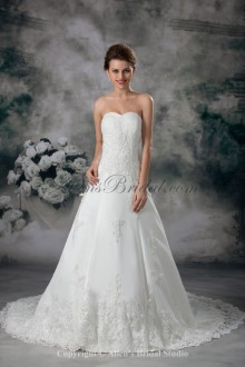 Net Sweetheart Neckline Sweep Train A-line Embroidered Wedding Dress