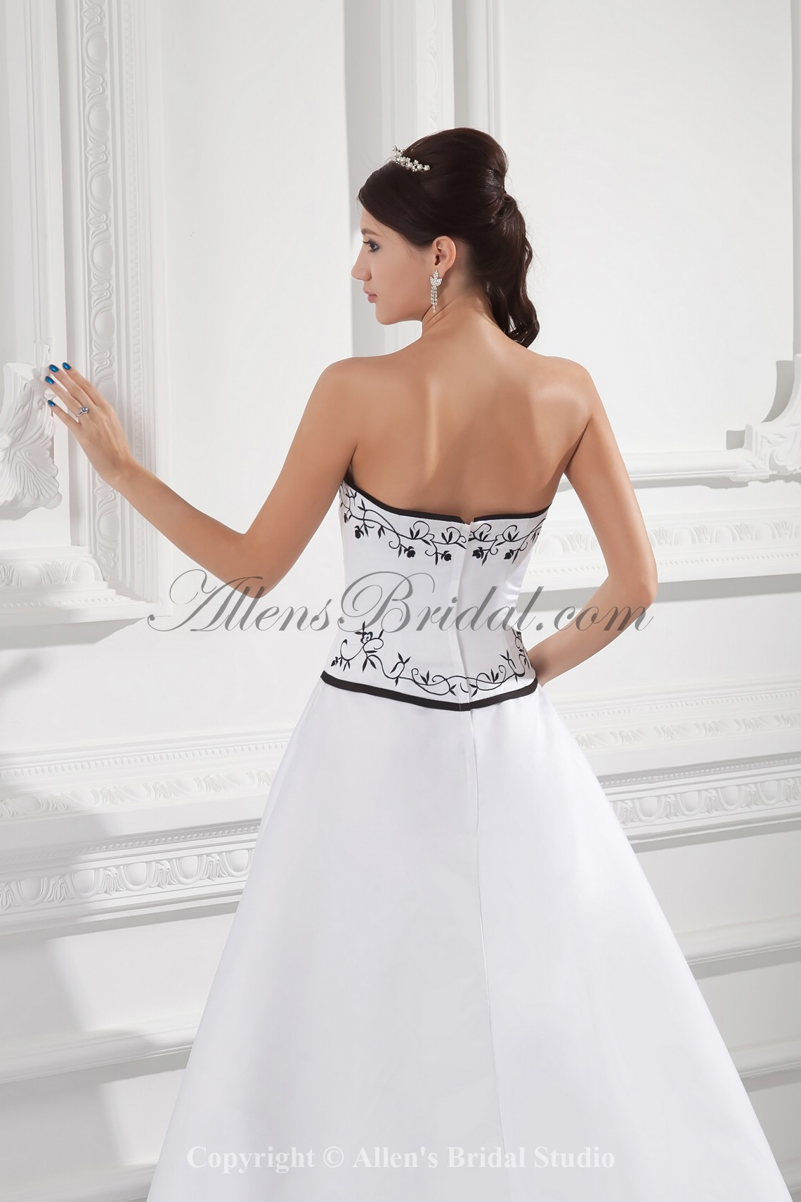 /988-7923/satin-sweetheart-neckline-a-line-sweep-train-embroidered-wedding-dress.jpg