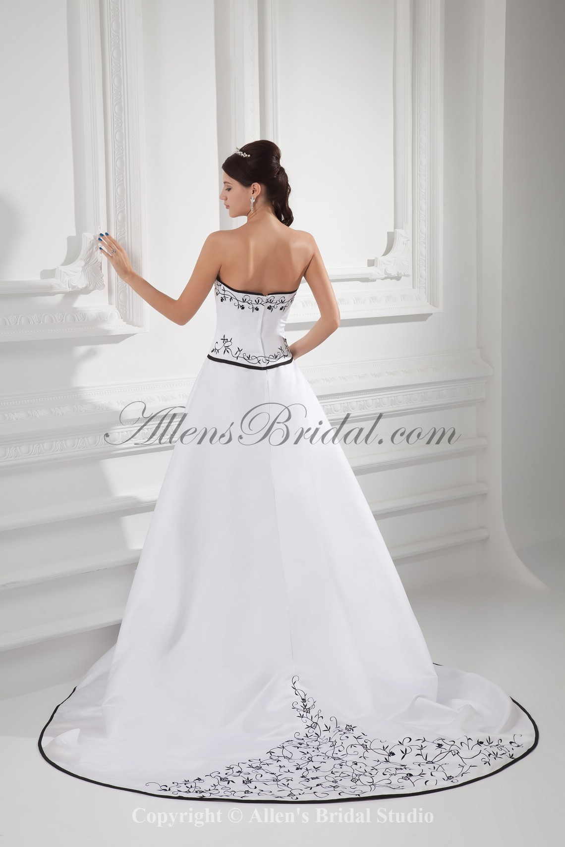 /988-7924/satin-sweetheart-neckline-a-line-sweep-train-embroidered-wedding-dress.jpg