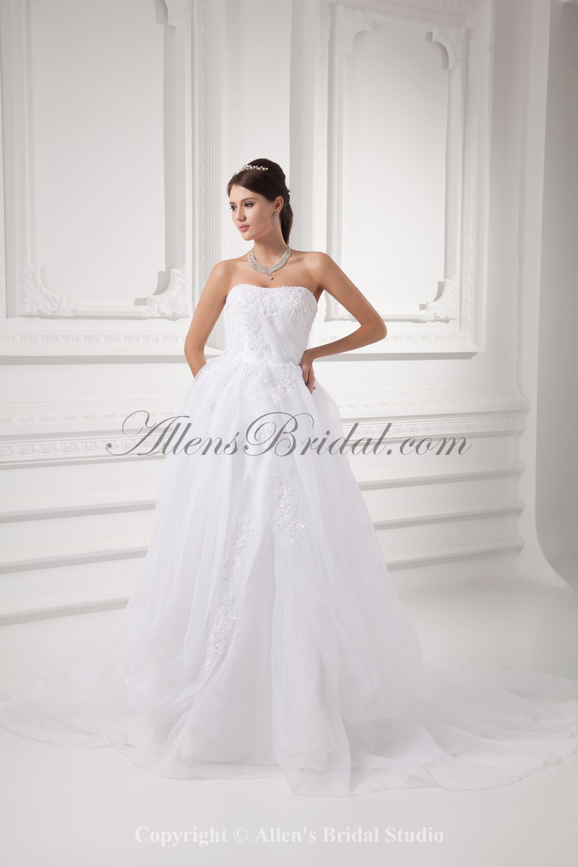 /992-7949/organza-strapless-ball-gown-sweep-train-embroidered-wedding-dress.jpg