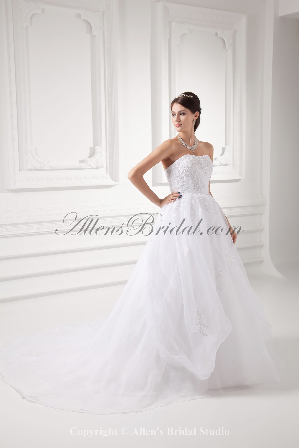 /992-7953/organza-strapless-ball-gown-sweep-train-embroidered-wedding-dress.jpg